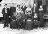 Family of twelve portrait